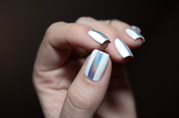 WHITE AND HOLO STRIPE LD_04