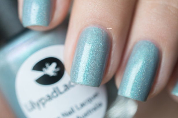 Lilypad Lacquer_Out in space_Aurora borealis_02