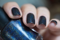 Lilypad Lacquer_Out in space_Black hole_08