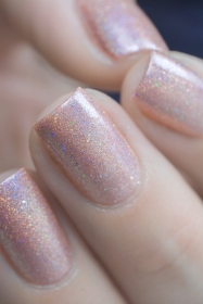 Glam Polish_Love Marilyn_Gentlemen prefer blondes_09