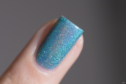 Glam Polish_Love Marilyn_Something's got to give_04