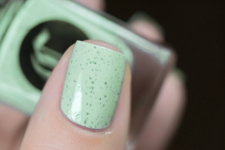 Cirque Colors_Speckled and sparkled_The speckles_Mint chip_02