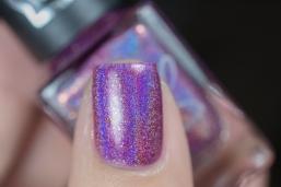 Colors by Llarowe x Nailland Hungary_Berry gem_01