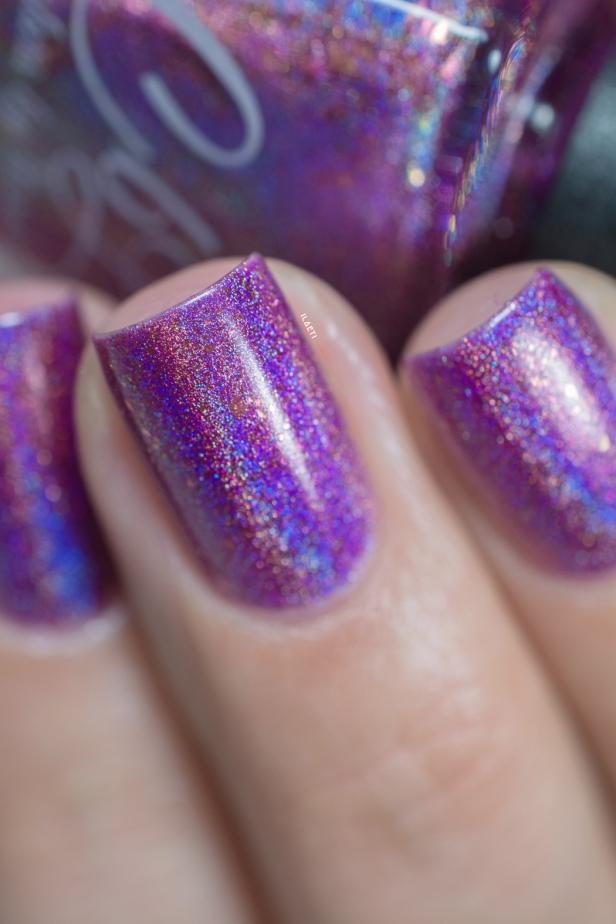 Colors by Llarowe x Nailland Hungary_Berry gem_02