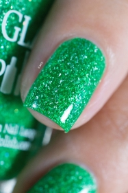 Glam Polish_Coven collection_Zelena_06