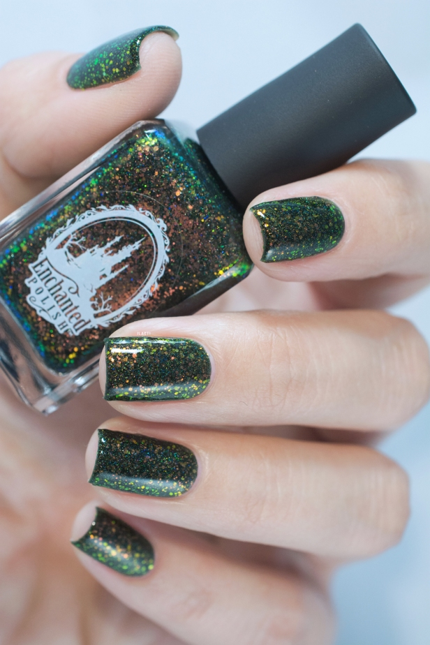 enchanted-polish_opal-winter-trio_pre-lit-opal-tree_003