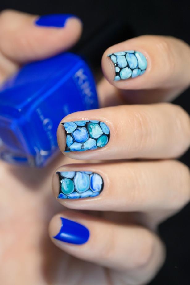 blobbicure_laqvid-inspiration_blue-swirls_02