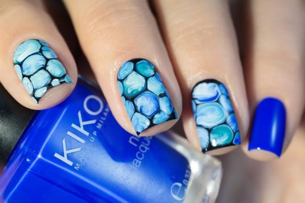 blobbicure_laqvid-inspiration_blue-swirls_03