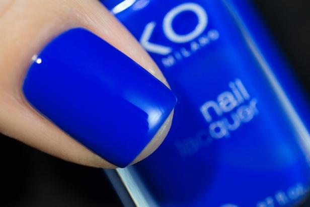 blobbicure_laqvid-inspiration_blue-swirls_04