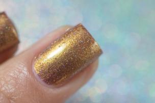Femme Fatale Cosmetics_Neon Demon_Defiled in gold_02