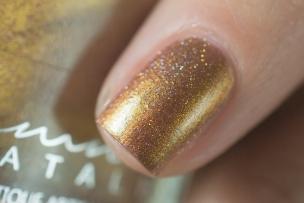 Femme Fatale Cosmetics_Neon Demon_Defiled in gold_05