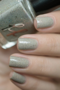 Femme Fatale_Collaboration Fashionpolish The oxymora_Bare embellishment_07