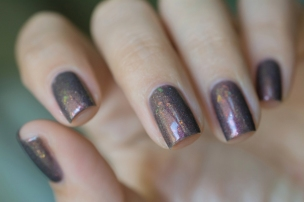 Femme Fatale_Collaboration Fashionpolish The oxymora_Shadow radiance_04