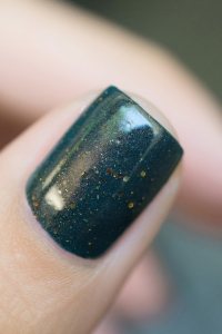 Femme Fatale_Collaboration Glitterfingersss Things to love trio_Colour crush_03