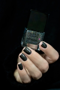 Live Love Polish_Holographic Glitters_Last Call_03