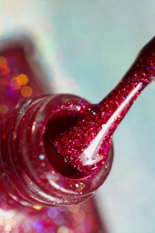 Live Love Polish_Holographic Glitters_Sangria_02